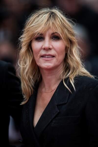 L'actrice Mathilde Seigner avec un blond légèrement plus foncé que d'ordinaire lors du 72ème Festival de Cannes.