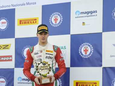 PHOTOS - Mick Schumacher, le fils de Michael Schumacher, est vraiment le sosie de son père