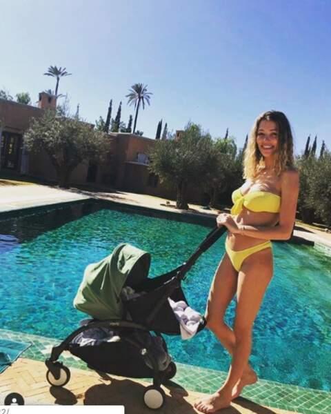 Camille Schneiderlin et Maé au bord de la piscine à Marrakech
