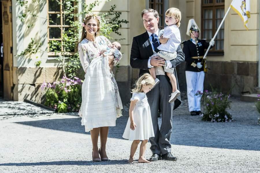 Madeleine de Suède et Christopher O'Neill avec leurs enfants Leonore et Nicolas au baptême d'Adrienne, le 8/06/2018
