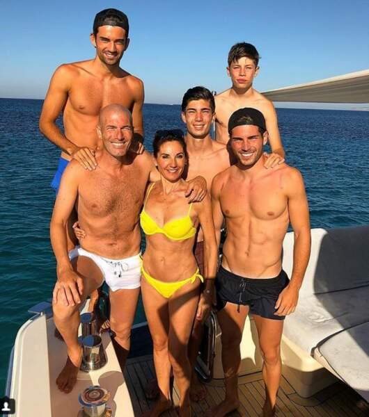 La famille Zidane au complet pour des vacances de rêve à Ibiza