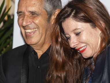 Julien Clerc et sa femme, en amoureux lors d'une soirée pour vaincre le cancer avec l'avocat de Laeticia Hallyday