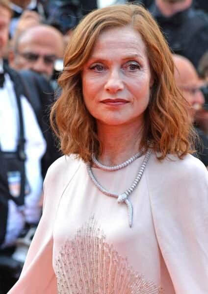 Isabelle Huppert, la beauté du simple carré flouté