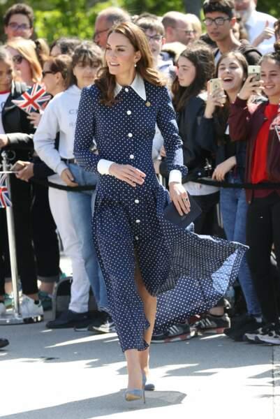 Kate Middleton séduisante et très élégante dans cette tenue signée Alexandra Rich