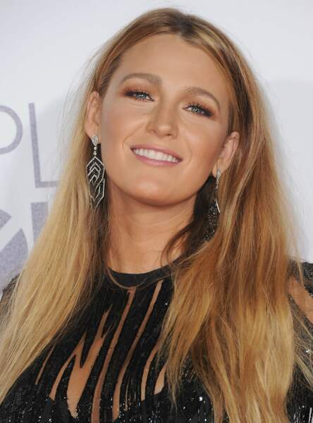 Le make up corail de Blake Lively