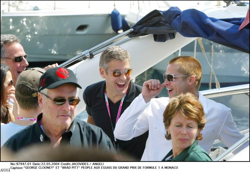 George Clooney et Brad Pitt aux essais du Grand Prix de Formule 1 de Monaco, en 2004