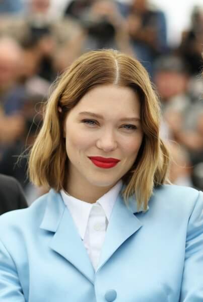 Blond presque vénitien et rouge à lèvres carmin, le carton plein de Léa Seydoux.