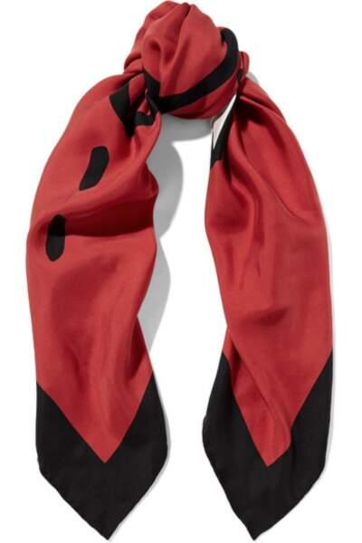 Foulard en sergé de soie lavée imprimé, Gucci - 330€