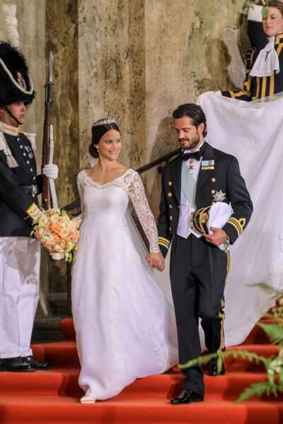 Sofia Hellqvist (en robe Ida Sjöstedt) épouse le prince Carl Philip de Suède le 13 juin 2015 à Stockholm