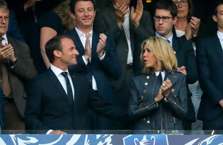 Brigitte Macron, ravissante en tribunes