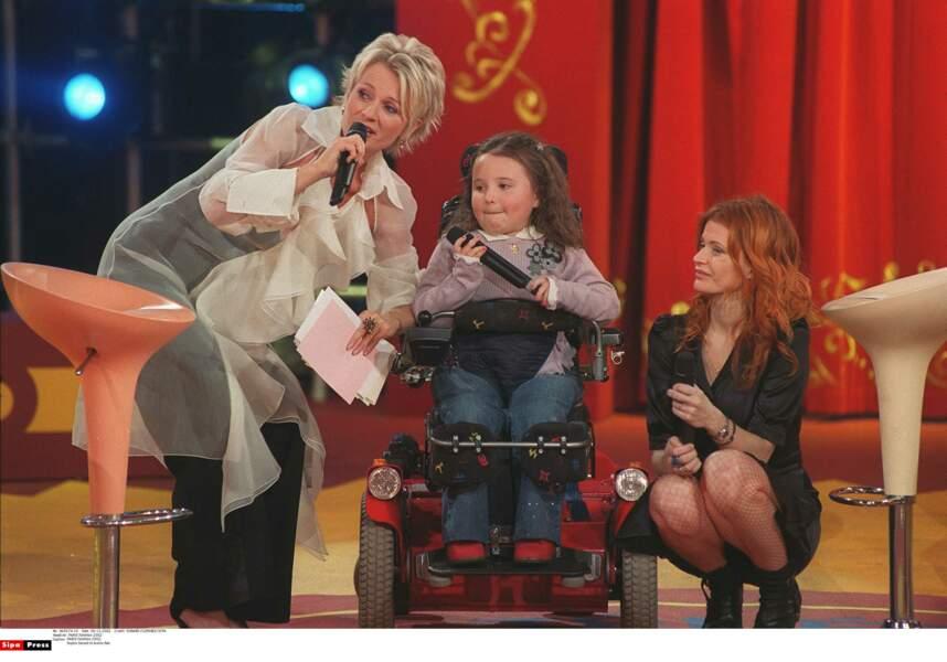 Avec Axelle Red et une enfant malade