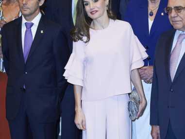 Look - Letizia d'Espagne ultra-glamour en total look rose