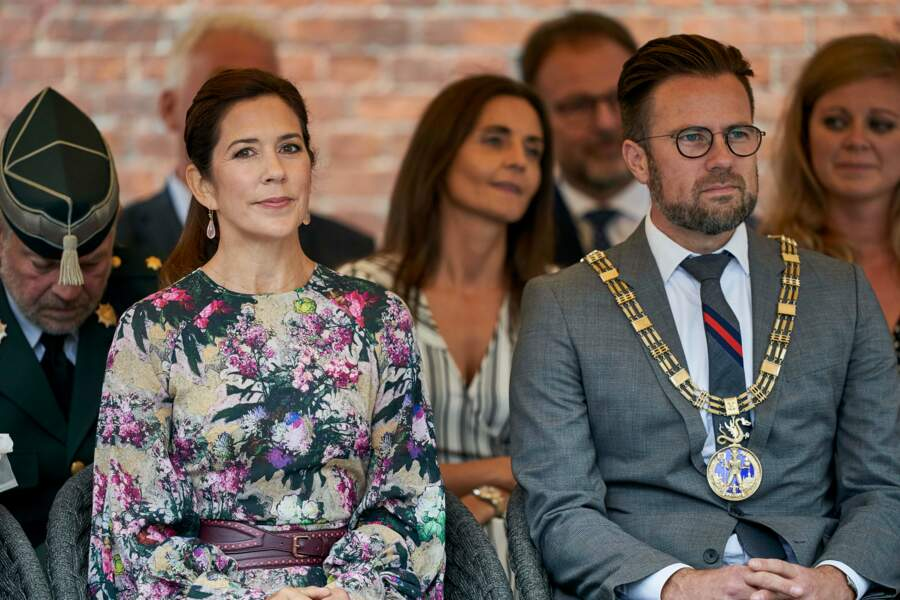 Mary de Danemark, assise dans le public du festival des fleurs à Odense