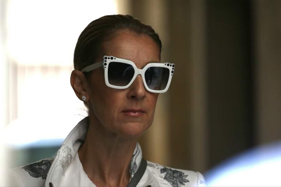 Céline Dion très lookée pour sa séance shopping parisienne