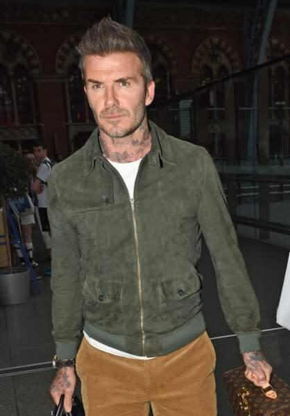 David Beckham est fan de tatouage de tous les styles et il en a même dans le cou