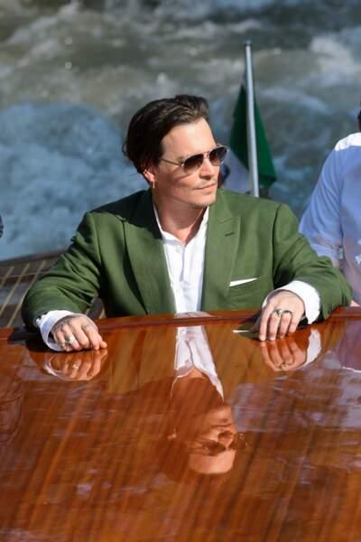 Raison numéro 2 : Johnny Depp aime les bateaux de luxe