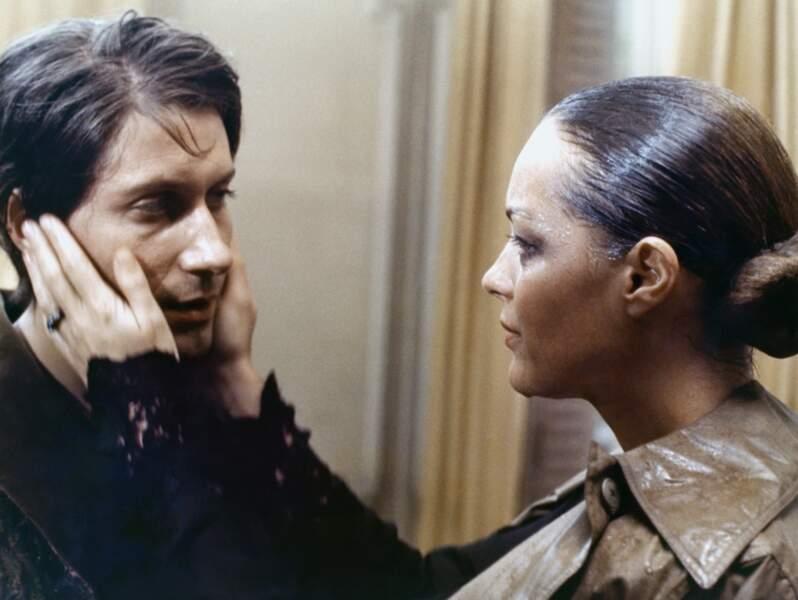 """Jacques Dutronc et Romy Schneider dans """"L'important c'est d'aimer"""" en 1975"""