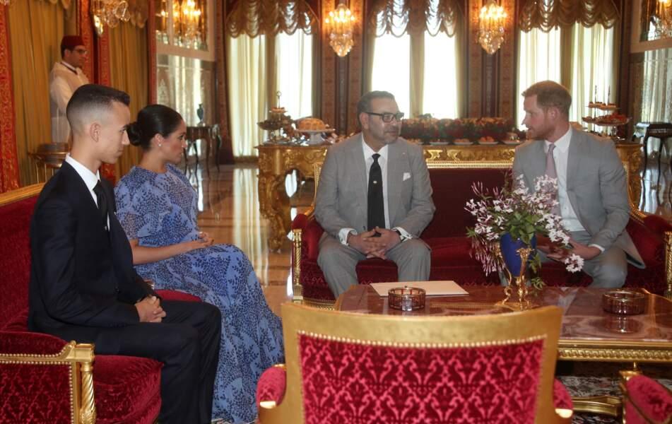 Le prince Harry et Meghan Markle rencontrent Mohammed VI, le roi du Maroc, dans sa résidence à Rabat