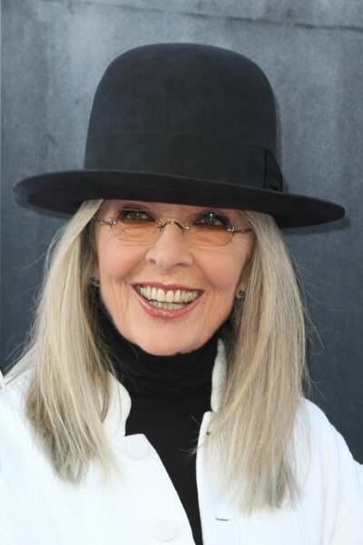 Diane Keaton, très chic avec son carré blanc/blond