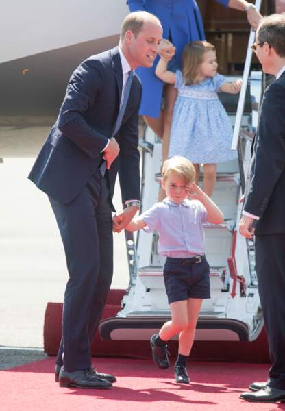 le Prince William très chic son fils le Prince George