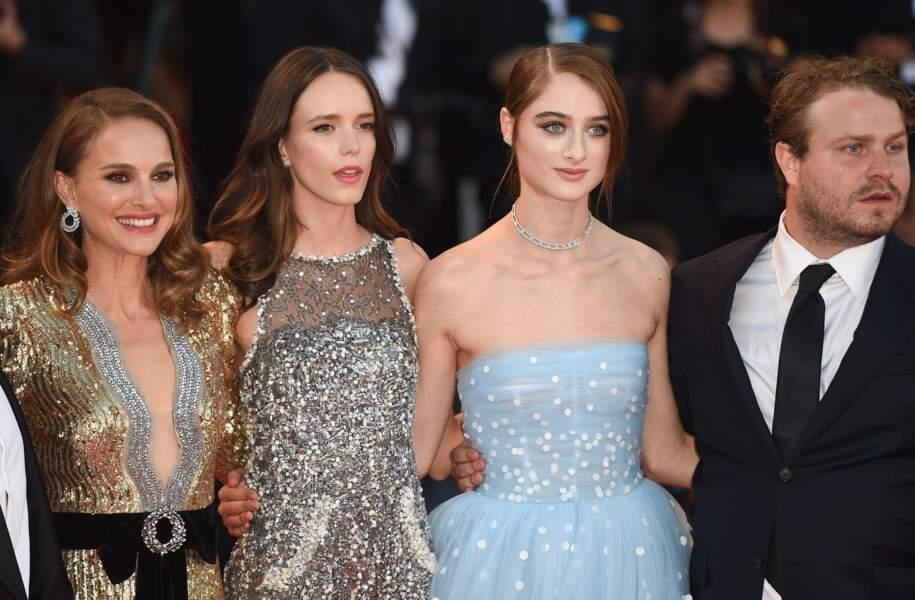 Natalie Portman flamboyante avec l'équipe duu film Vox Lux qui sort ce 5 septembre au cinéma