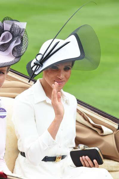 Meghan Markle : sous son chapeau, un chignon serré