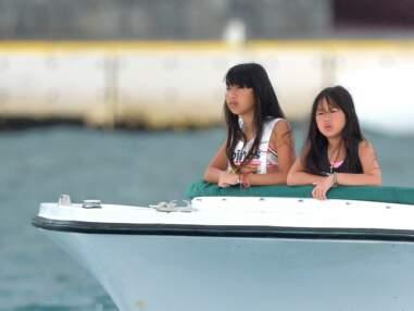 Photos - Jade et Joy : les filles de Laeticia et Johnny Hallyday passent une journée en bateau au large de Saint-Barthélémy