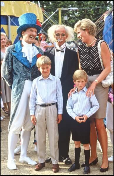 Lady Diana, William et Harry rencontrent la troupe du Cirque du Soleil, en 1990