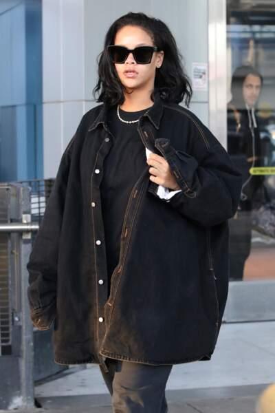 Rihanna a coupé ses cheveux après des mois de chevelure de sirène