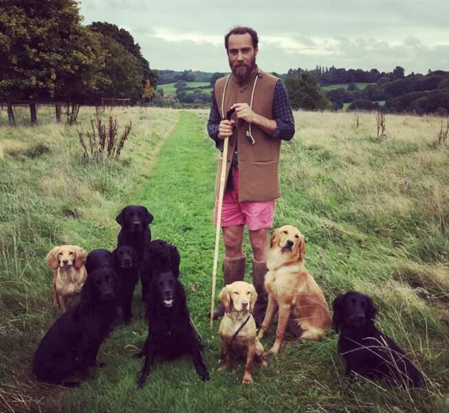 James Middleton en compagnie de ses chiens