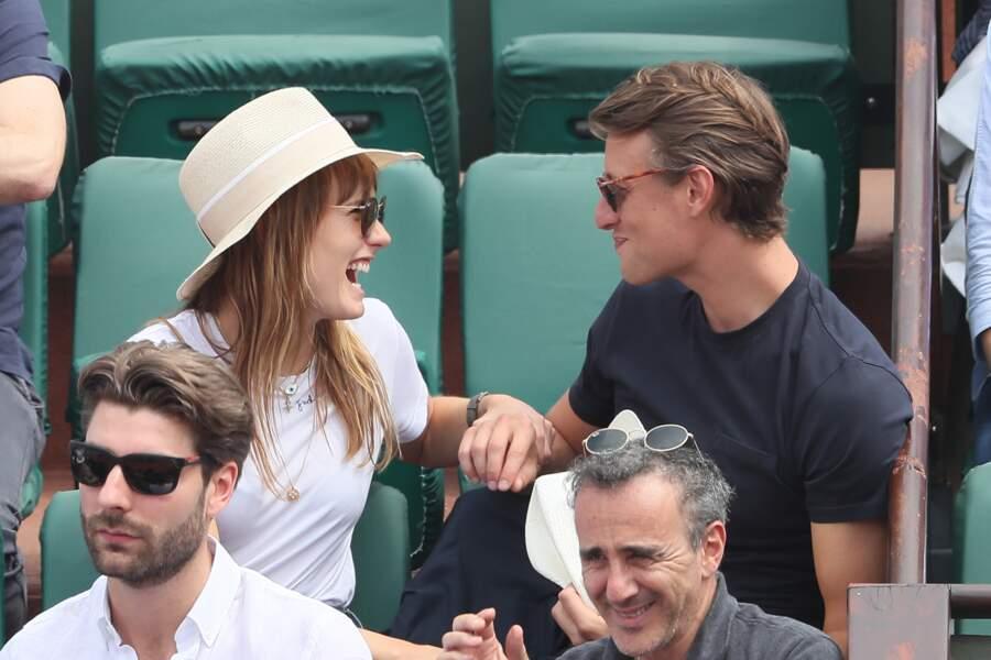 Ana Girardot et Arthur de Villepin, des éclats de rire à Roland Garros le 9 juin 2018