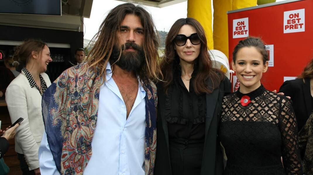 Monica Bellucci et son compagnon Nicolas Lefebvre ont posé aux côtés de l'actrice Lucie Lucas, également présente