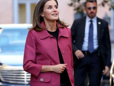 Glamour, Letizia d'Espagne en slim en cuir et manteau rose