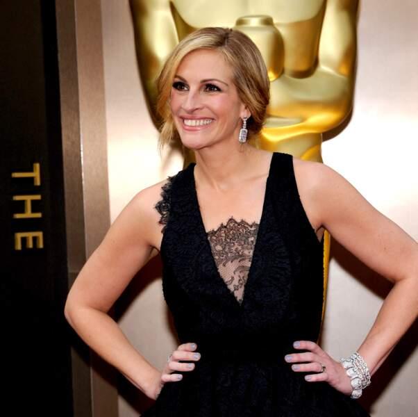 Rayonnante en robe noire à la cérémonie des Oscars, en 2014