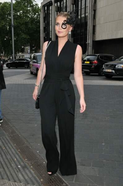 Pour compléter sa tenue, Kitty Spencer, la nièce de Diana, avait misé sur des talons compensés noirs
