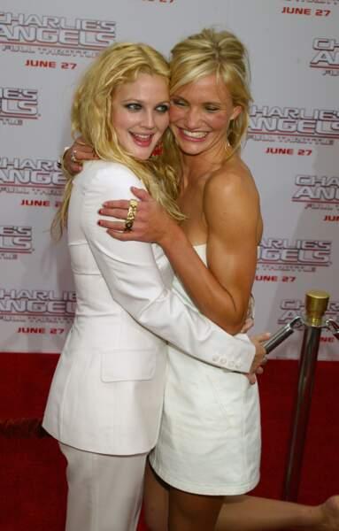 """Drew Barrymore et Cameron Diaz à la première de """"Charlie's Angels : Les Anges se déchaînent"""" en 2003 à Los Angeles"""