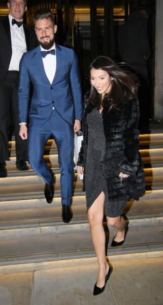 Olivier Giroud et son épouse Jennifer, enceinte de leur troisième enfant, à Londres le 18 novembre 2017