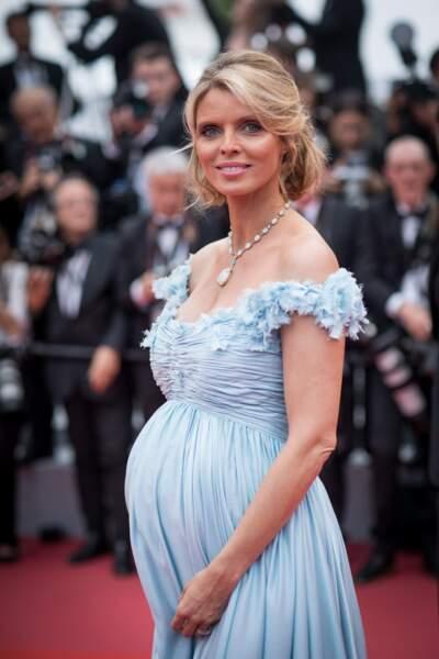 Sylvie Tellier lors de la montée des marches à Cannes