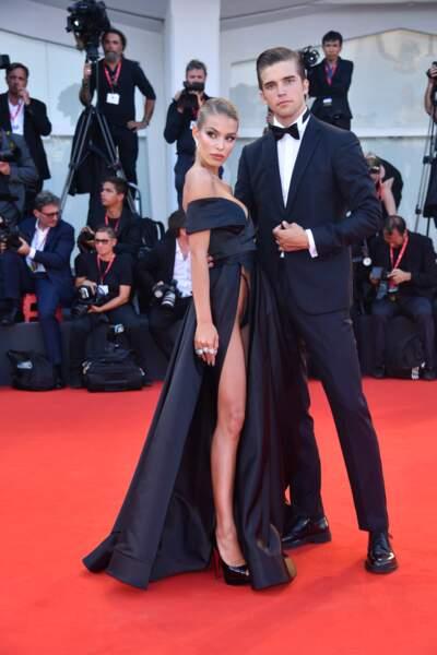 Jessica Goicoechea et son compagnon River Viiperi étaient chic et glamour sur le tapis rouge de la Mostra de Venise