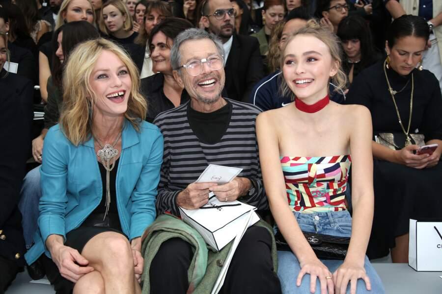 Vanessa Paradis et Lily-Rose Depp : une complicité et une ressemblance qui s'accentue en front row chez Chanel