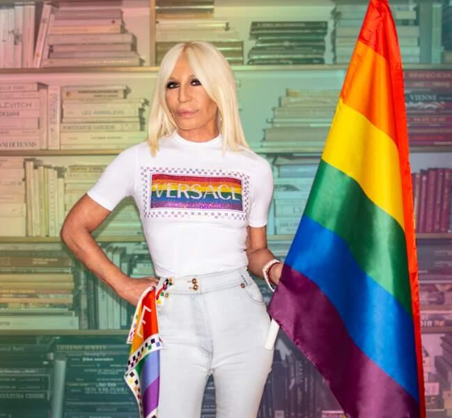 Donatella Versace lance aussi son t-shirt pride