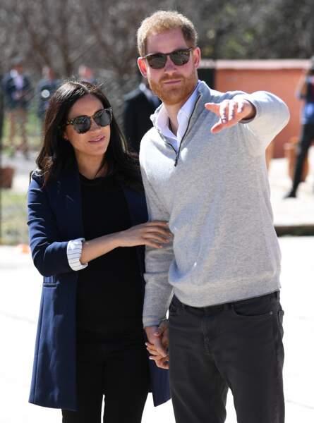 Le prince Harry et Meghan Markle, deux amoureux qui regardent ensemble dans la même direction