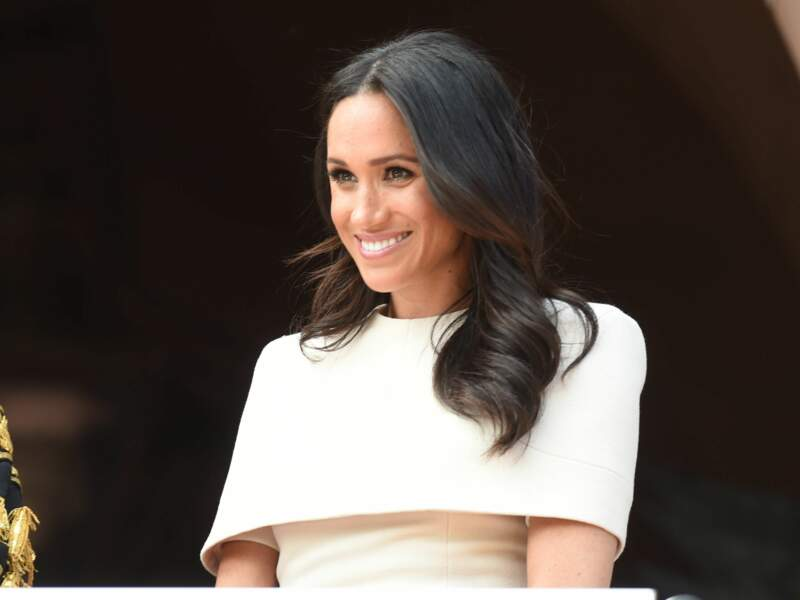 Depuis son mariage le 19 mai, Meghan Markle affectionne plus particulièrement les robes, blanches de préféren