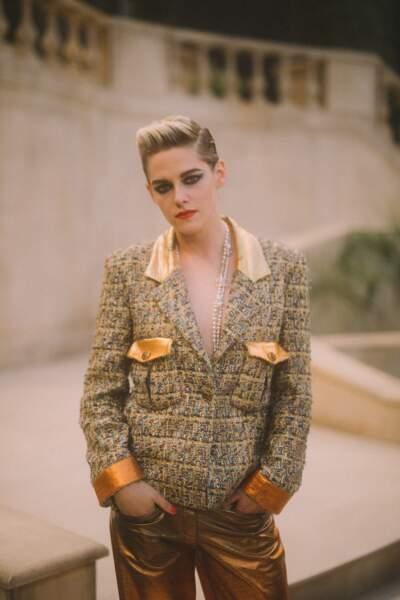 L'égérie des parfums Gabrielle était glamour et rock pour le défilé Chanel Haute-Couture.
