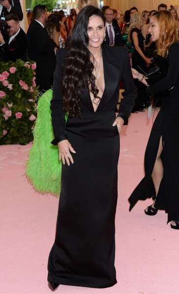 Les ondulations bohèmes comme Demi Moore
