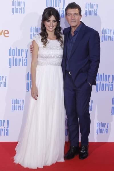 Penelope Cruz sublime avec une demie-queue de cheval avec son partenaire à l'écran, Antonio Banderas