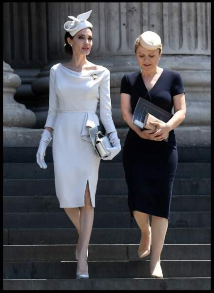 Angelina Jolie dans un look royal qui surprend
