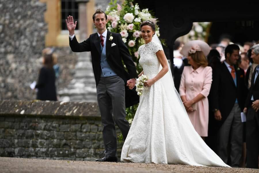James Matthews et Pippa Middleton (en robe Giles Deacon) s'unissent à Englefield, le 20 mai 2017