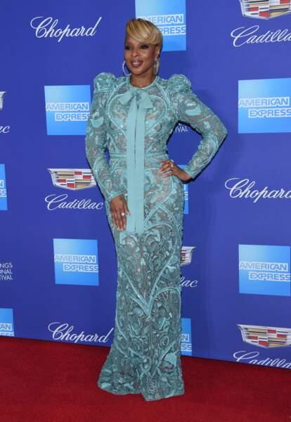 Mary J. Blige très élégante en robe Elie Saab