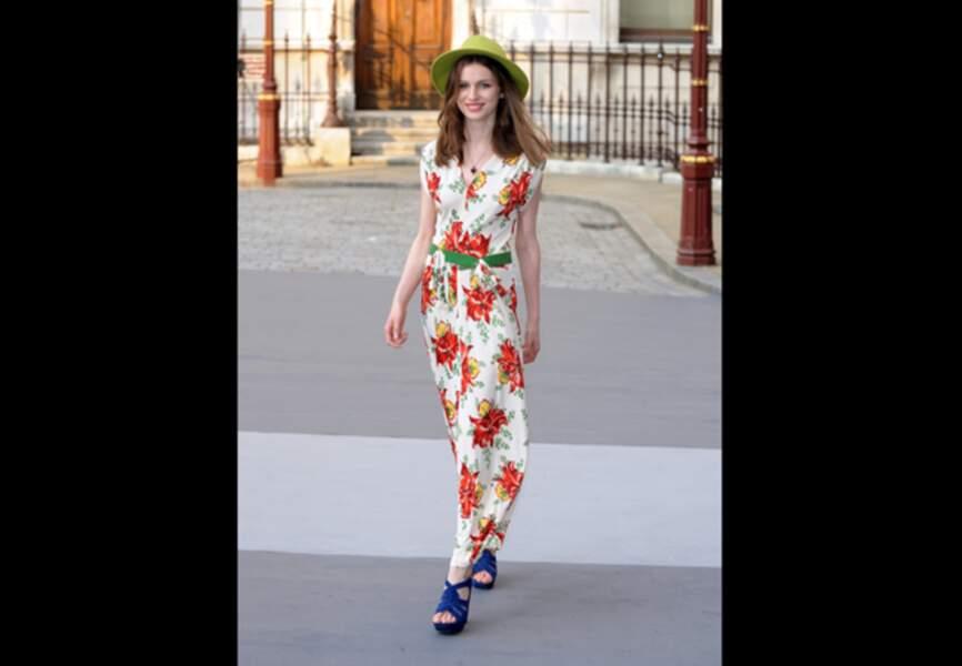 Tali Lennox, jeune fille en fleurs